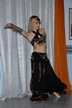 Anna Bosi danza al ristorante Aladino